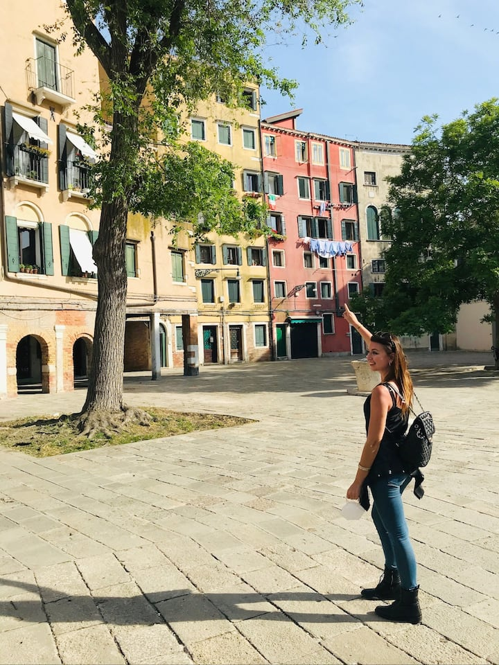 Exploring the Jewish ghetto of Venice