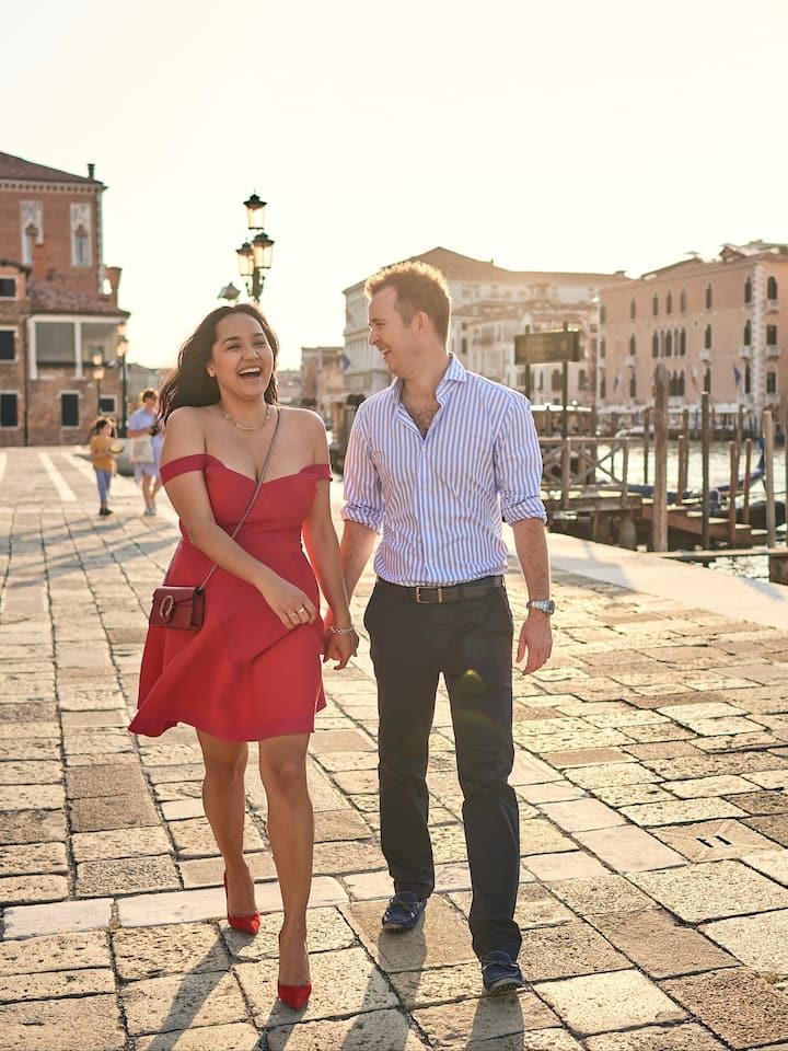 Non posing photographer in Venice
