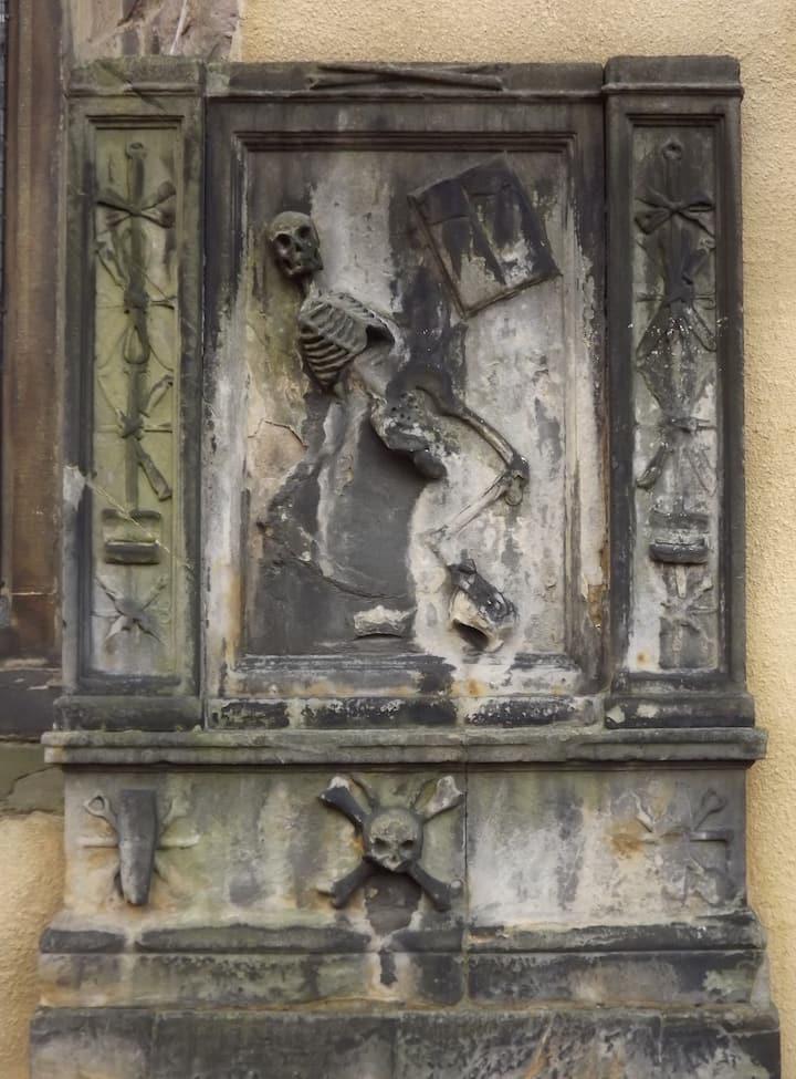 Borthwick Monument