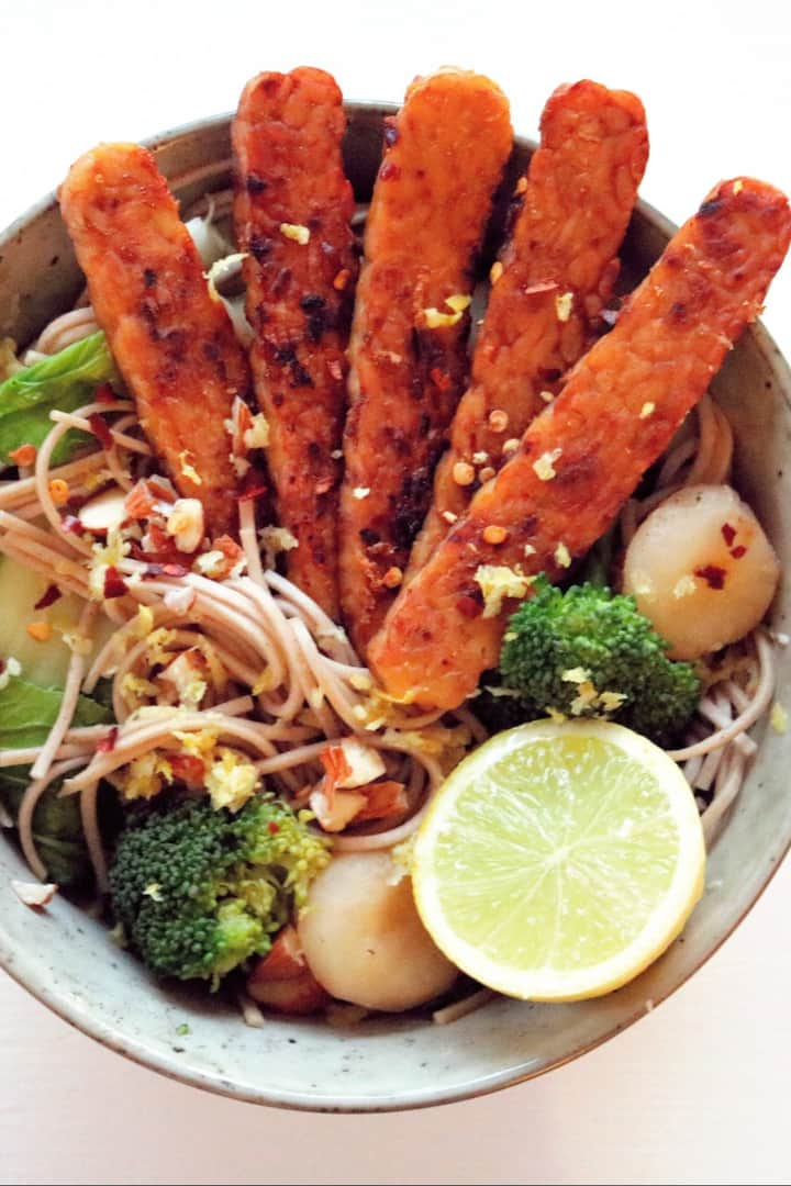 Tempeh lime noodles