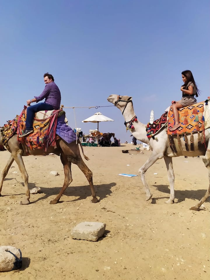 CAMEL RIDE TOUR IN THE PYRAMIDS AT SAHRA ONEHOUR MAKE MAGIC TOUR FOR YOU