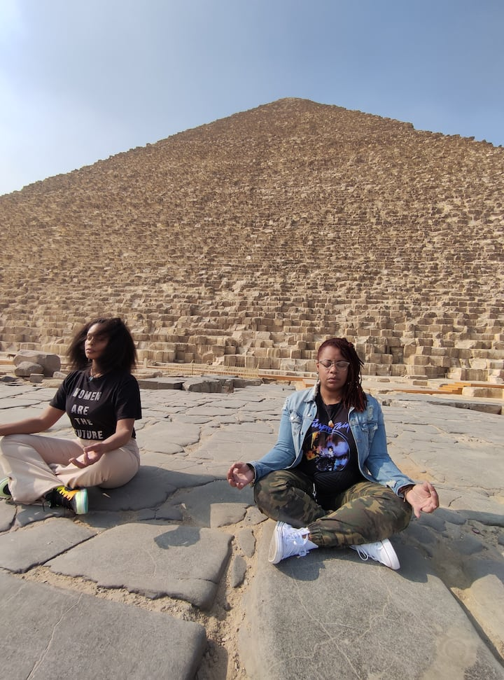 The sprtual meditation at front of the pyramids