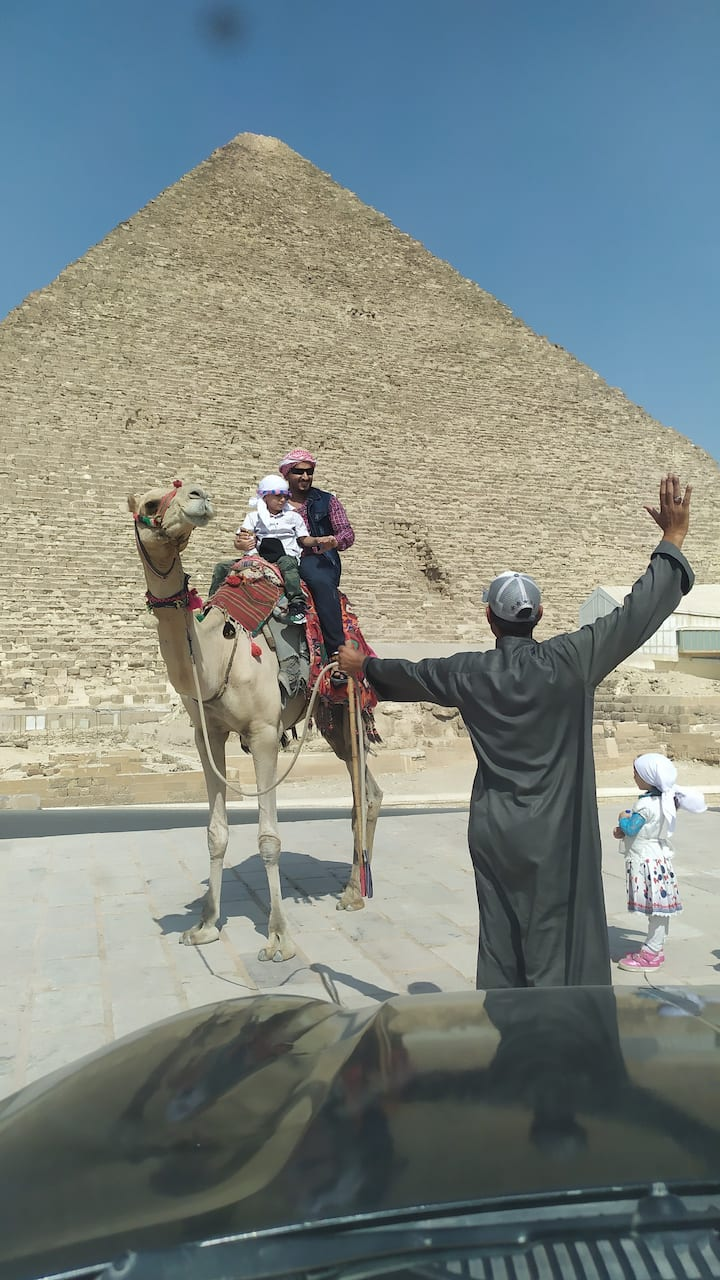CAMELRIDE Tour AROUND OF THE PYRAMIDS OF GIZA FOR THEKINGS qUEEN'S the BEST TOUR IN EGYPT YOU CAN BOOK WITH US NOW