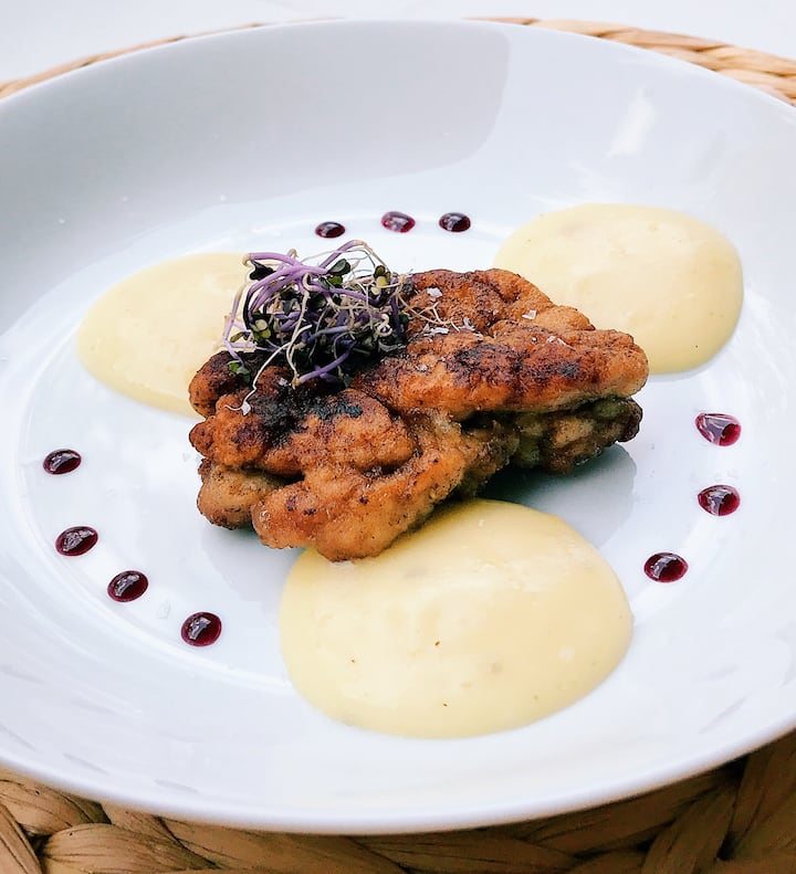Sweetbreads, smooth mashed potatoes.