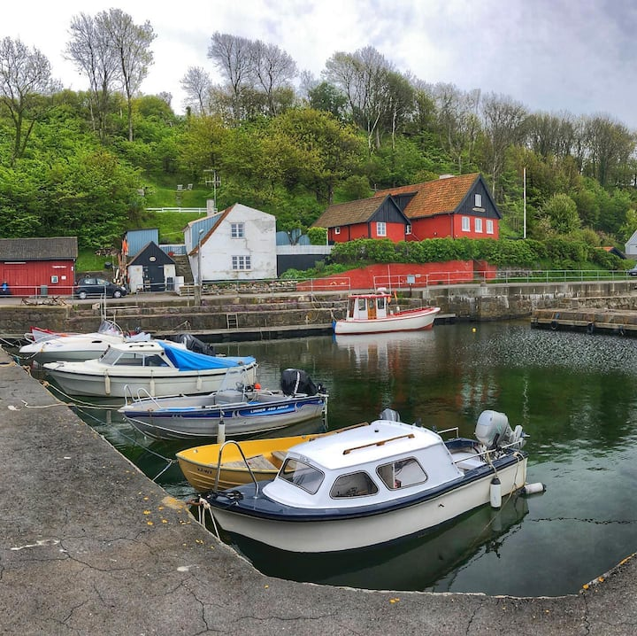 A tiny harbour on the tour
