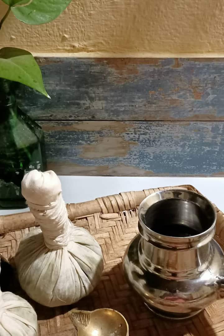Kizhi herbal boluse