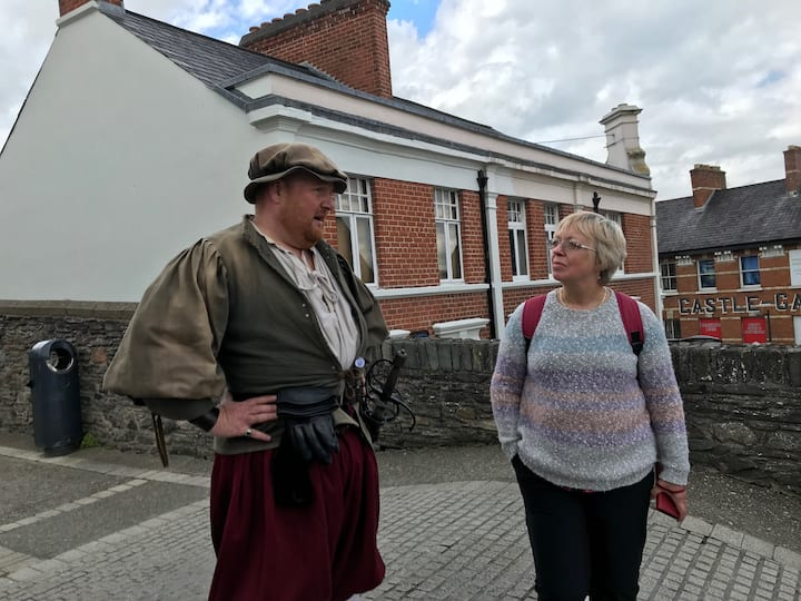 Meeting an 16th century character
