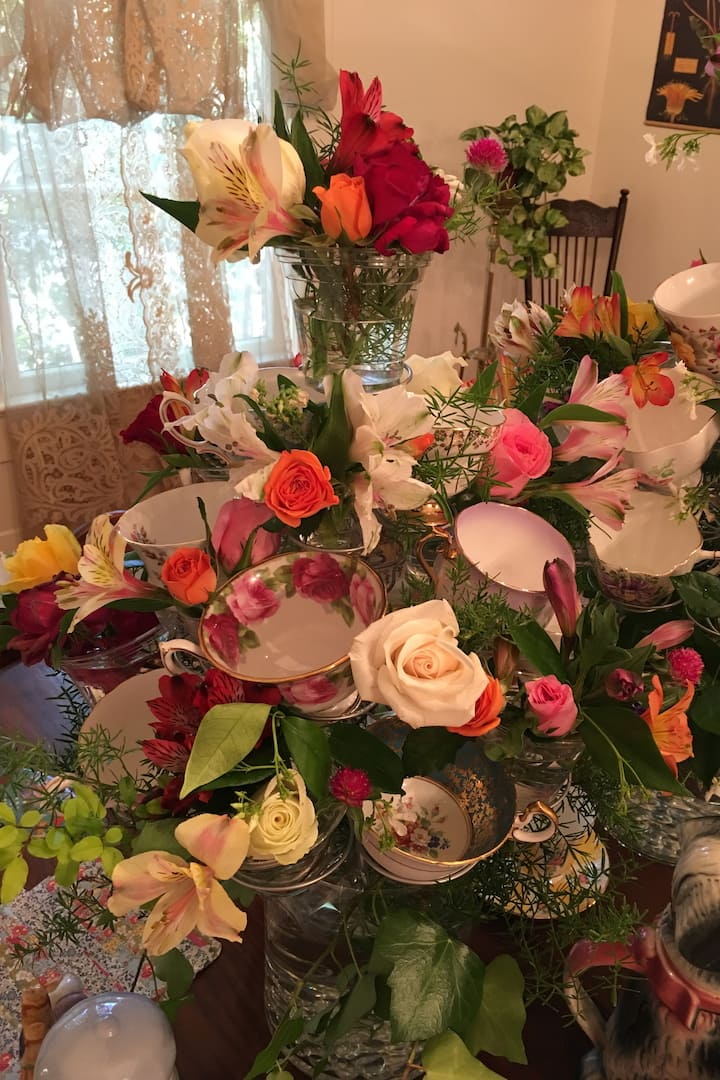 Little bouquets gathered together .