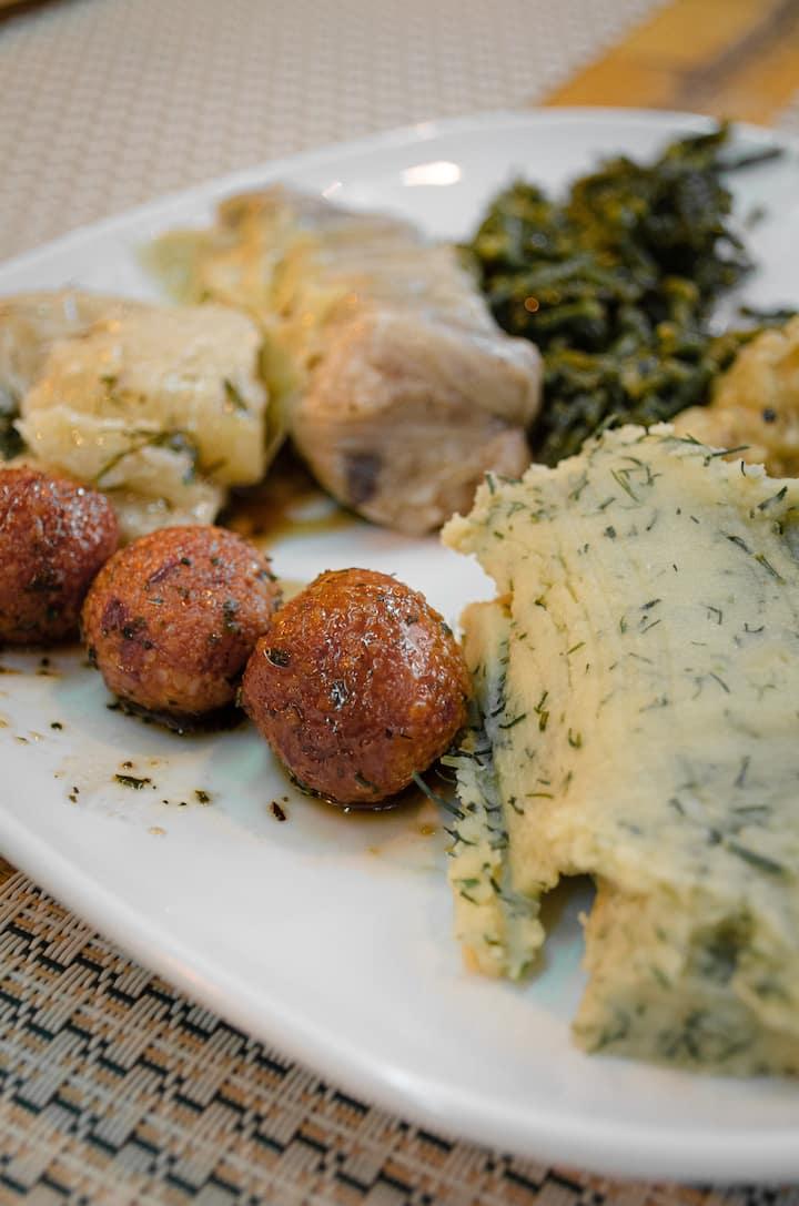 Mix vegan/vegetarian plate