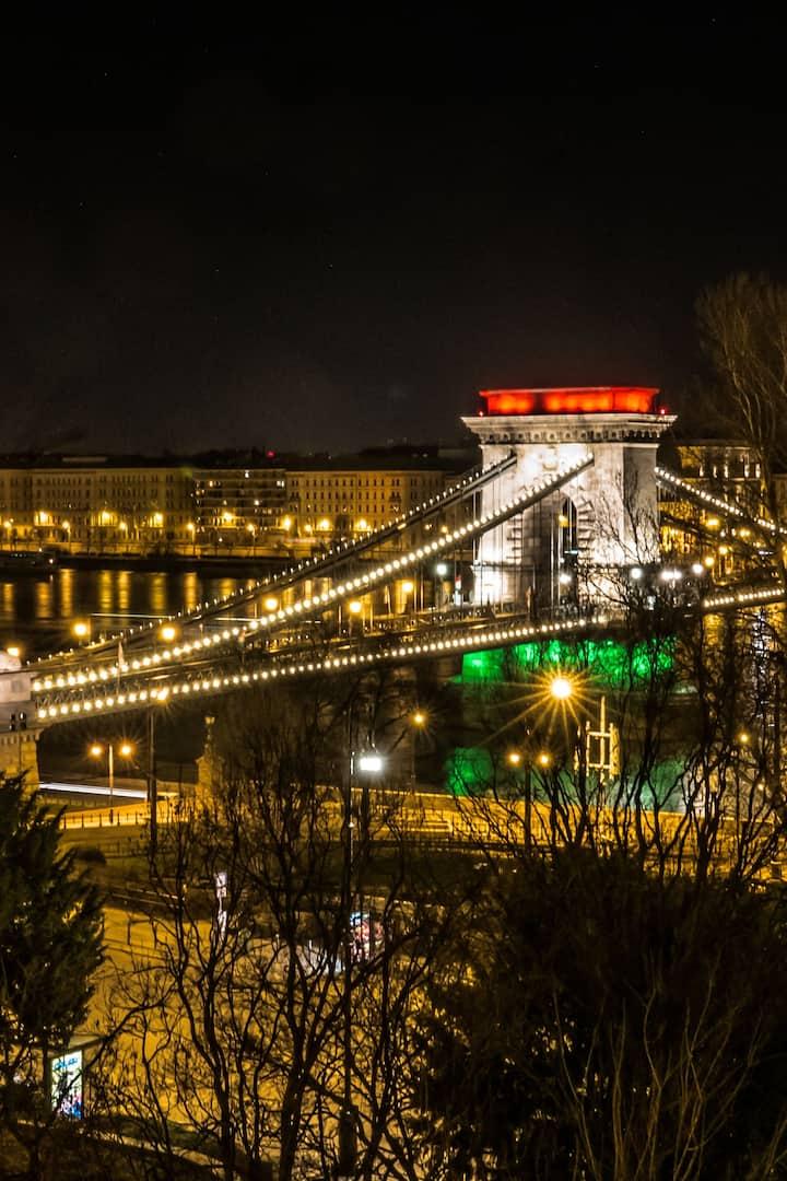 Chain Bridge lit up as Hungarian  Flag