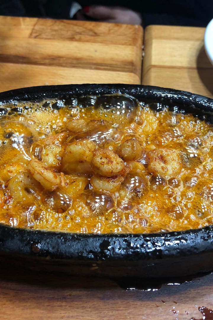 Amazing shrimp with garlic and butter!