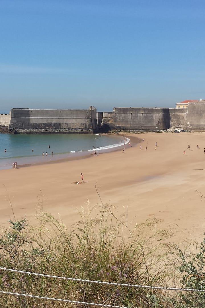 perto - A Praia da Torre em Carcavelos