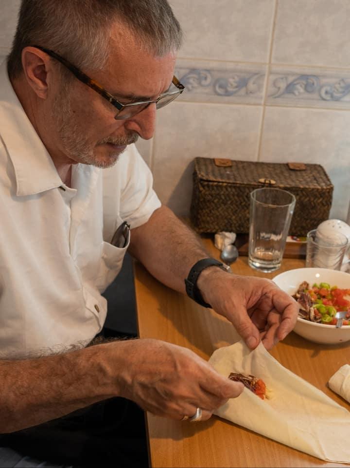 Rolling the pachanga börek
