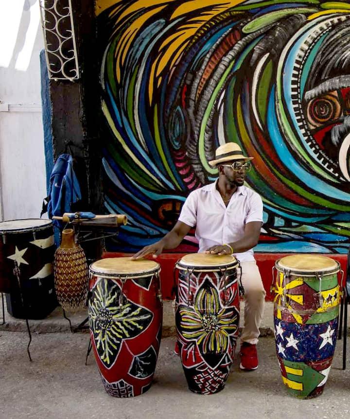 Drums in Callejon de Hamel