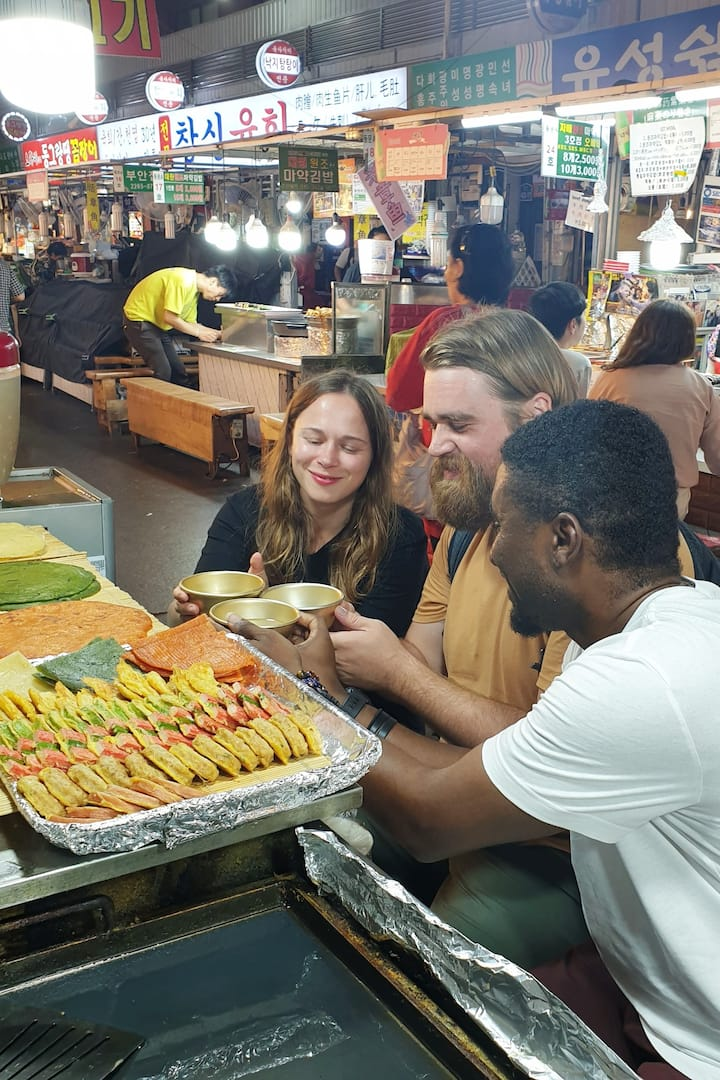 Eating Street Food at Gwangjang Market