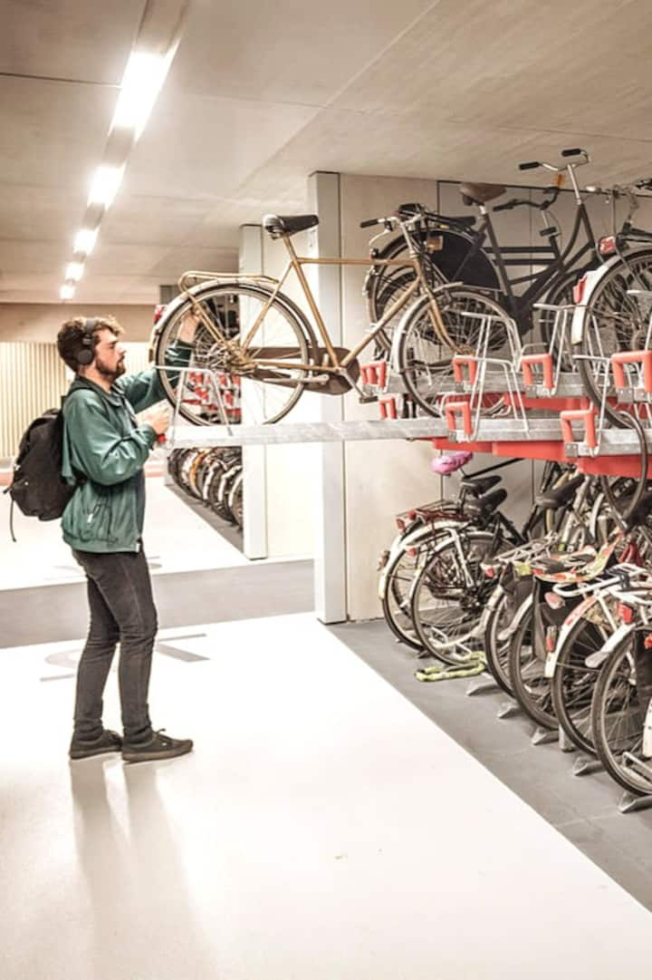 The world's largest bicycle garage