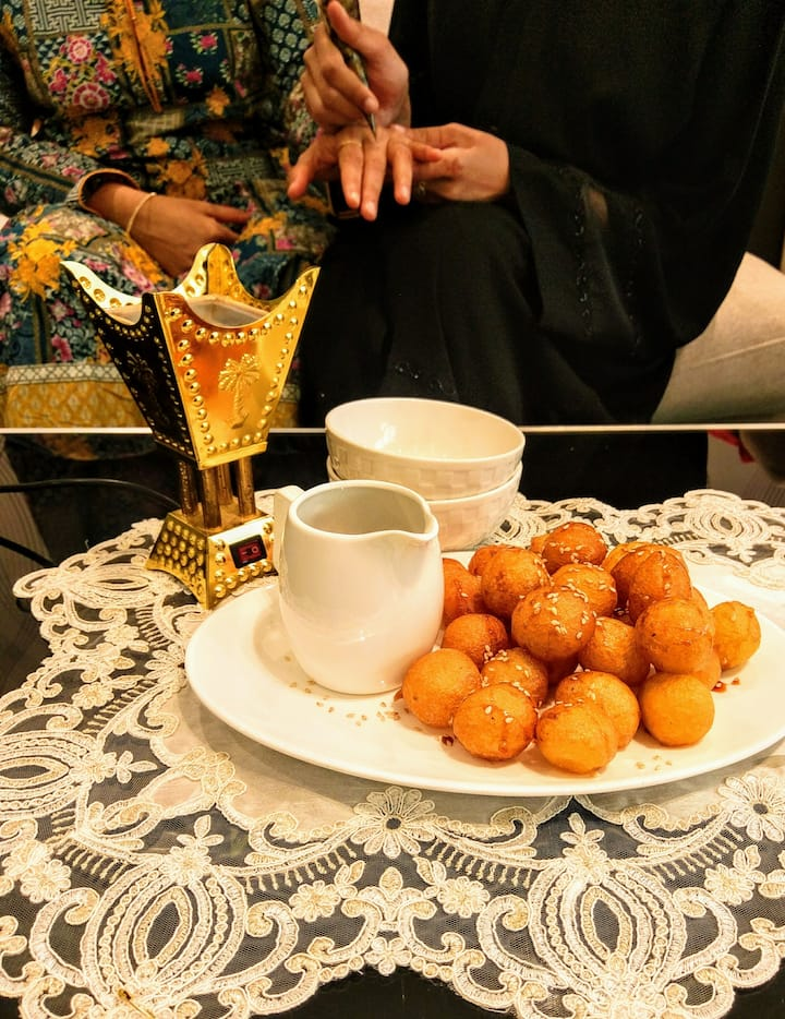 Enjoy Food & Gahwa (Arabic Coffee)