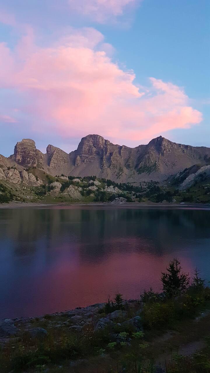 Le Lac d'Allos au crépuscule