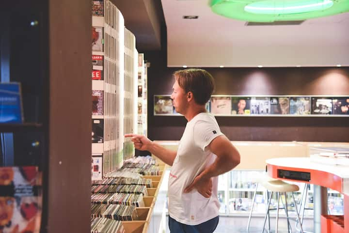 La Fonoteca store and bar