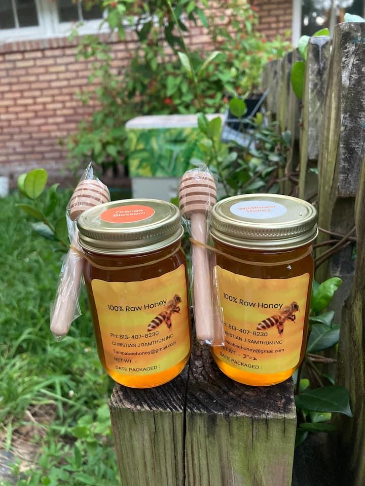 5 oz. Honey per guest with honey dipper