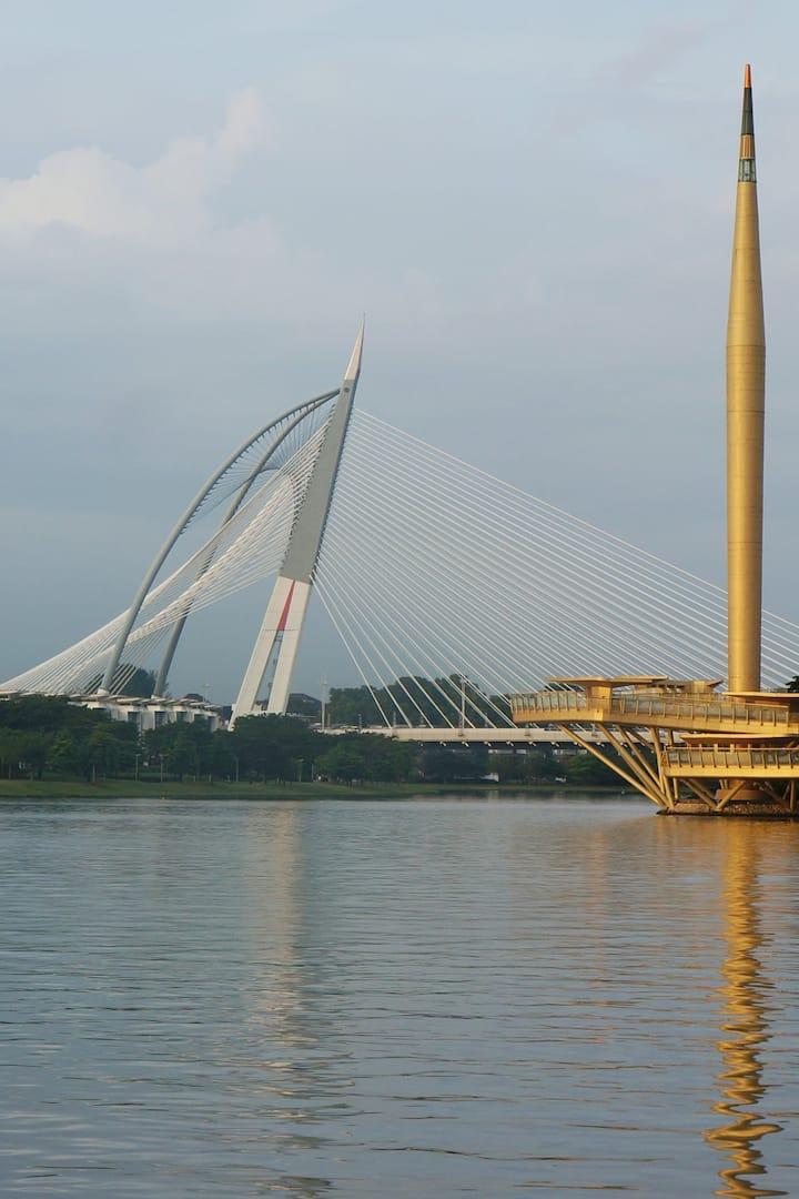 Millenium monument & Sri Wawasan bridge