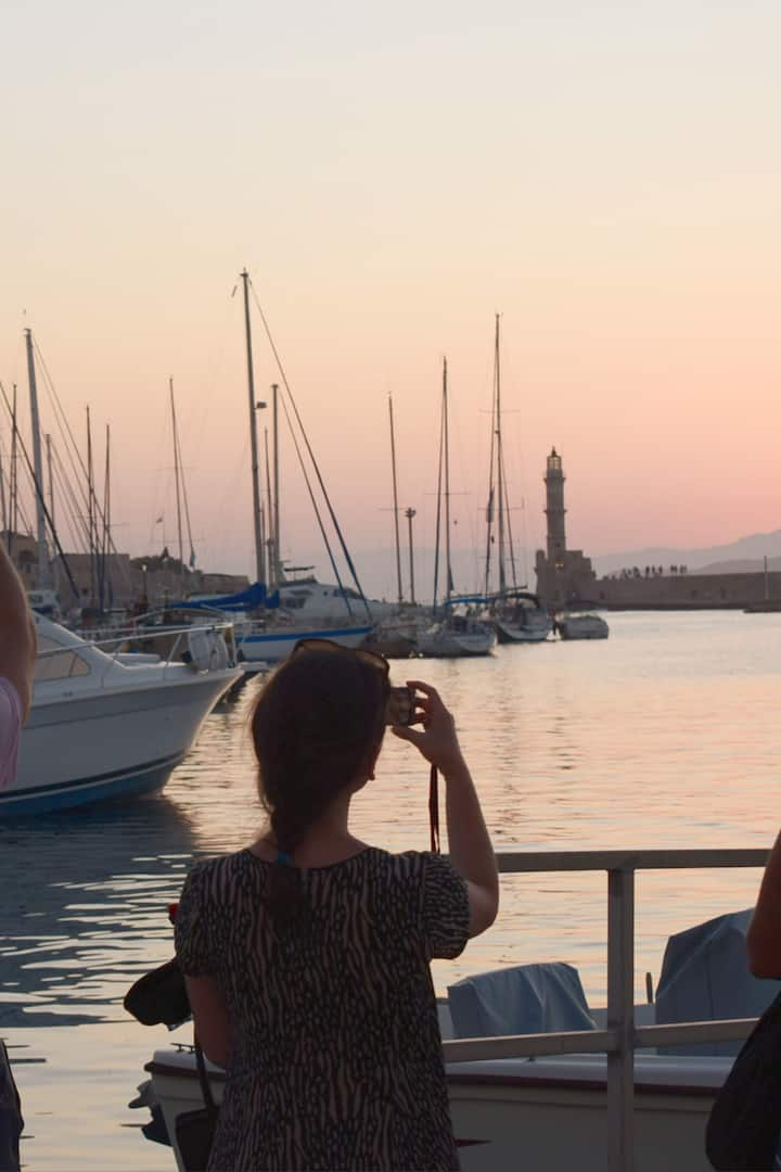 Photoshooting the sunset in Chania