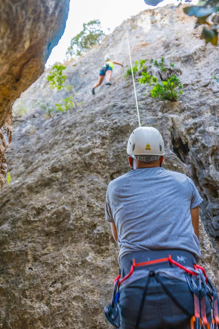 Rockclimbing in Arrábida by morning
