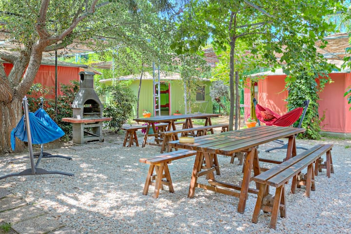 Youth Hostel - Armenistis Camping & Bungalows