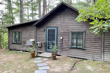 Lake Side Two Bedroom Cottage