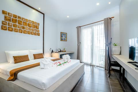 Deluxe Double Room (Free Wifi, Bicycle, Rooftop)