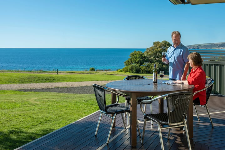 Searenity Holiday Home, Spectacular Sea Views