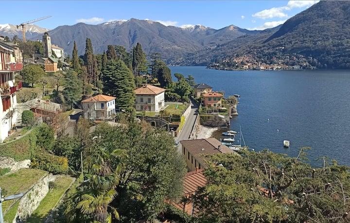 Un balcone sul Lago di Como