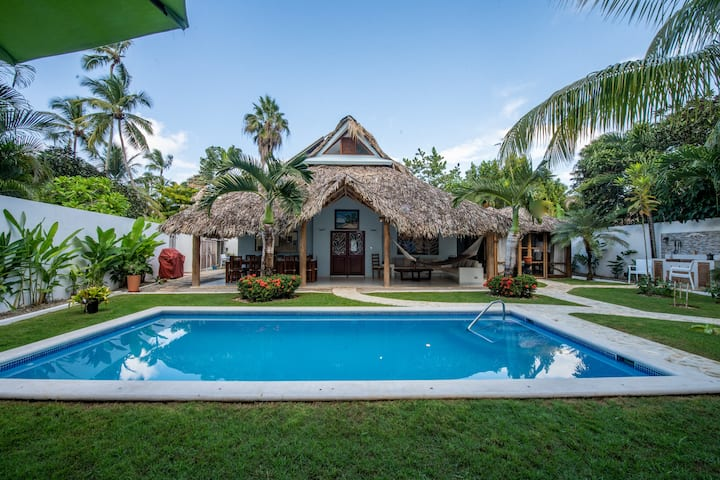 Villa Clarissa V,walk to the beach, Cook optional!