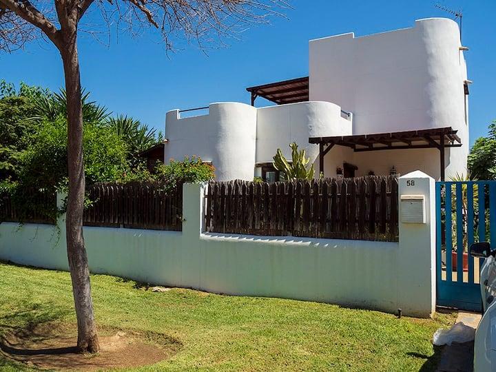 Villa ibicenca en Benalmadena costa