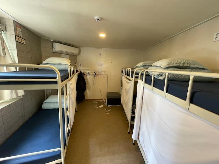 6 bed female dorm 공감동성로게스트하우스