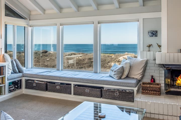 Oceanfront Retreat w/Private HotTub