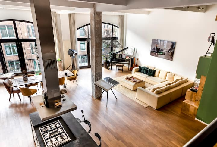 Big family loft city center, canal view bedrooms