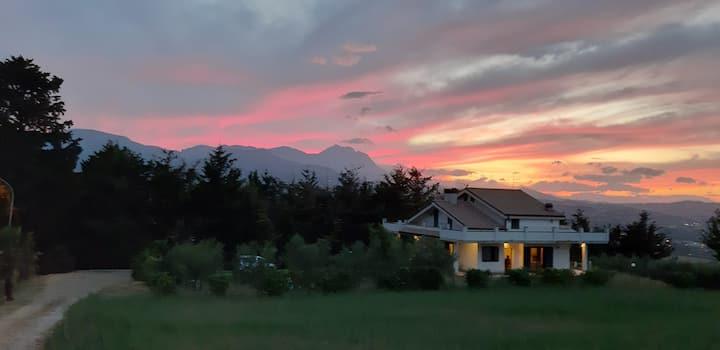 Casa panoramica nella natura  a Loreto Aprutino