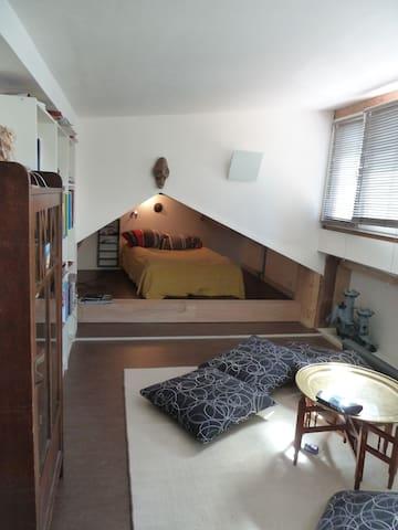 chambre 3 avec lit dans alcôve sur demande deux lits séparés peuvent être installé