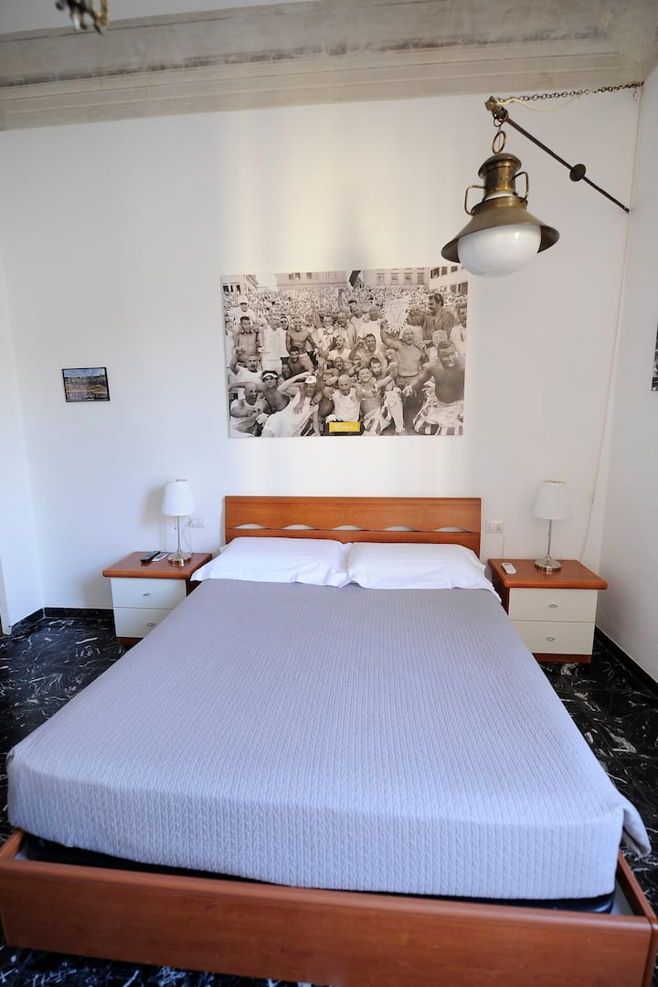 Double bedroom Bianchi city centre