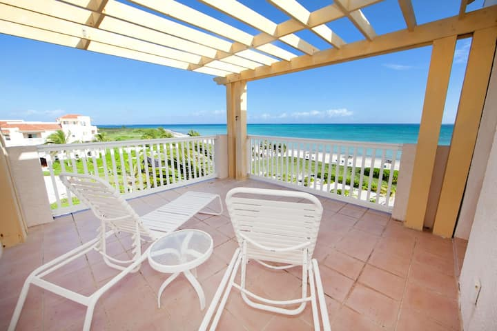 Penthouse Ocean Front 3 bdrm view pool hot tub !!