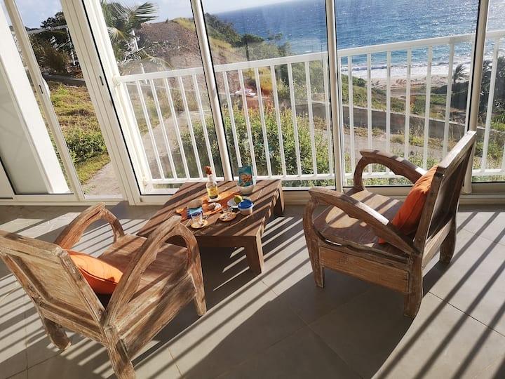Studio le Phare vaste terrasse très belle vue mer
