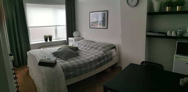 Comfortable 2-room place 10 mins' walk from centre