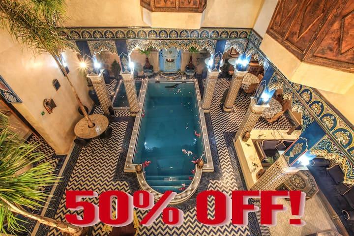 2  Riad a Marrakech Terrasse Medina avec piscine .