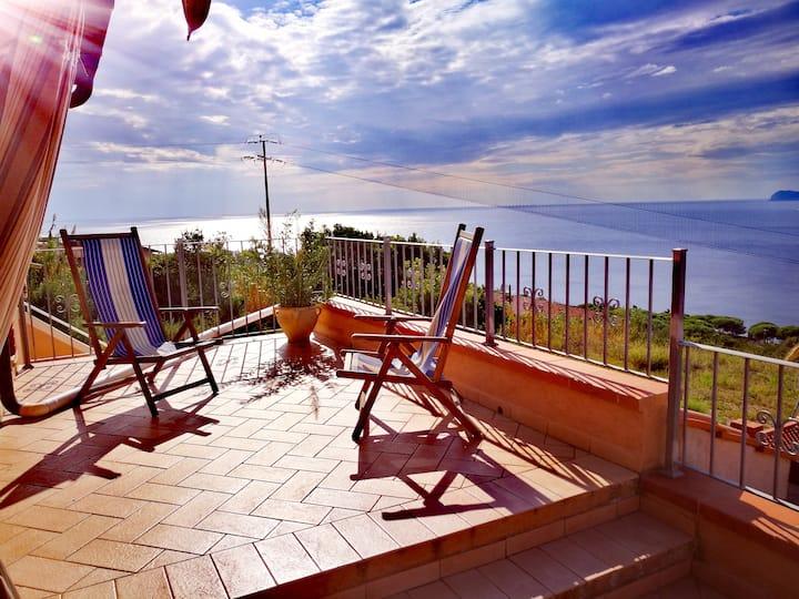 Vista 2 sulla Corsica