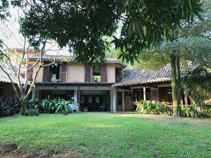 casa em Santiago com muito verde