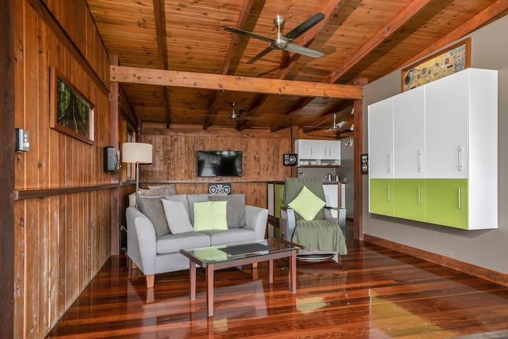 Studio Living with Stereo, TV & Foxtel Movie Package