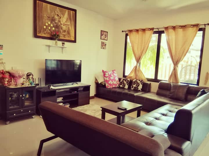 charming modern 3 bedroom bungalow