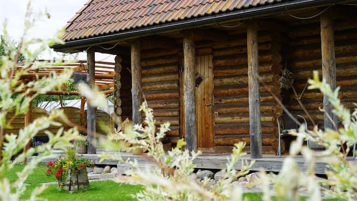 Guļbūves ēka,piemērota ģimenēm