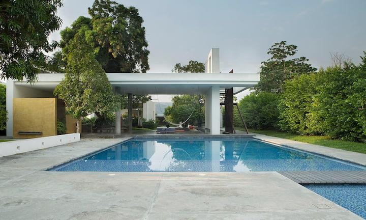 Splendid house in the tropics.